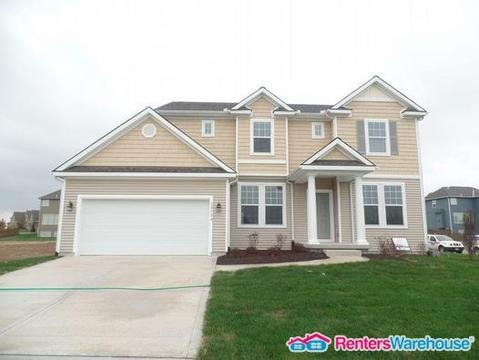 property_image - House for rent in Lenexa, KS